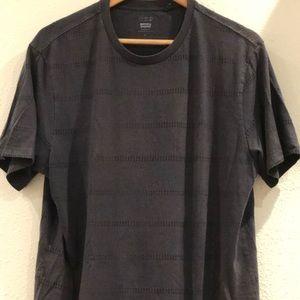 Levi XL Commuter t-shirt.